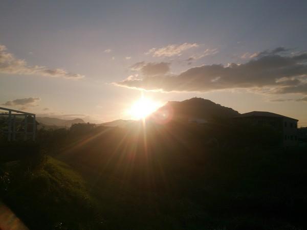 毎朝、こんな朝陽を浴びるでしょう、、、朝1番からエネルギーに満ち溢れるんです