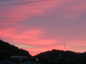 朝焼け、夕焼けって、空が赤く染まる時があるんだよね
