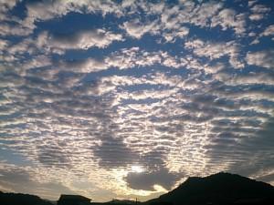 今日の高知は雨なので、以前撮ったボクのお気に入りの空の写真