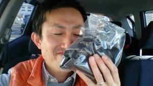 う~ん、イイ薫り~月に1回、買っているコーヒー豆を楽しむ様子