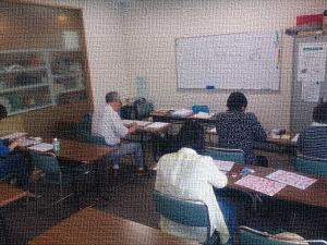 地元カルチャーセンターでの「筆文字教室」の様子
