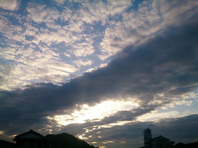 話と関係ないけど、以前撮ったお気に入りの1枚~空を見るのが好き