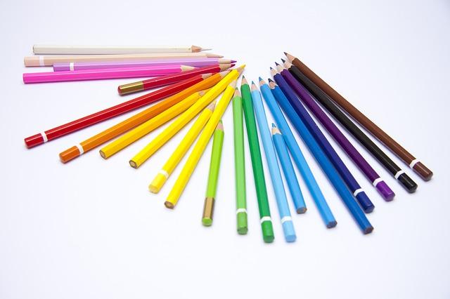 crayons-1018580_640
