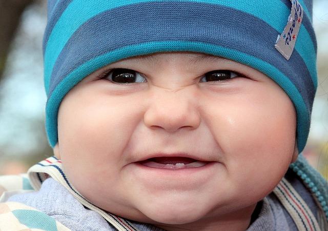 toddler-1244793_640