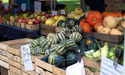 farmers-market-1213097_640