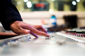 mixing-desk-351478_640